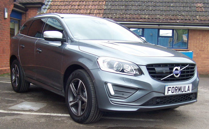 used volvo xc60 2 4d d5 220 r design lux nav awd diesel. Black Bedroom Furniture Sets. Home Design Ideas